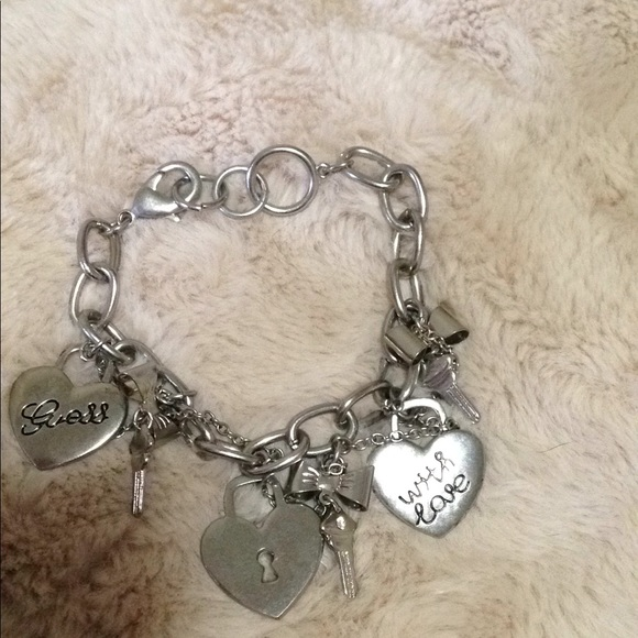 Guess heart and key bracelet